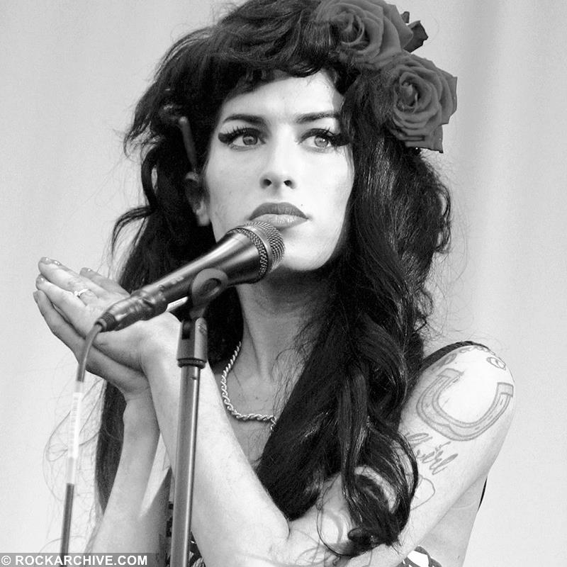 Amy Winehouse (AMYW001MMAW)