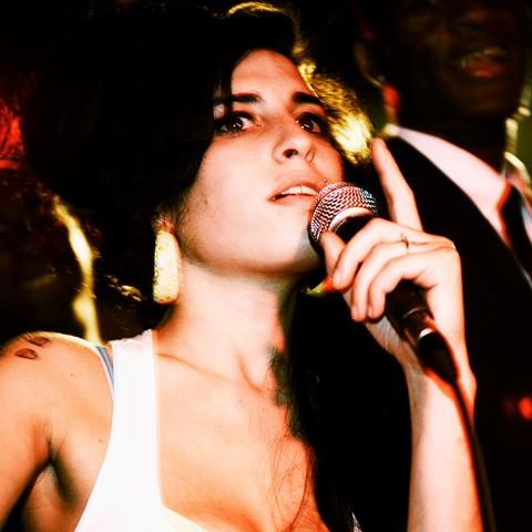 Amy Winehouse (AMYW001COCO)