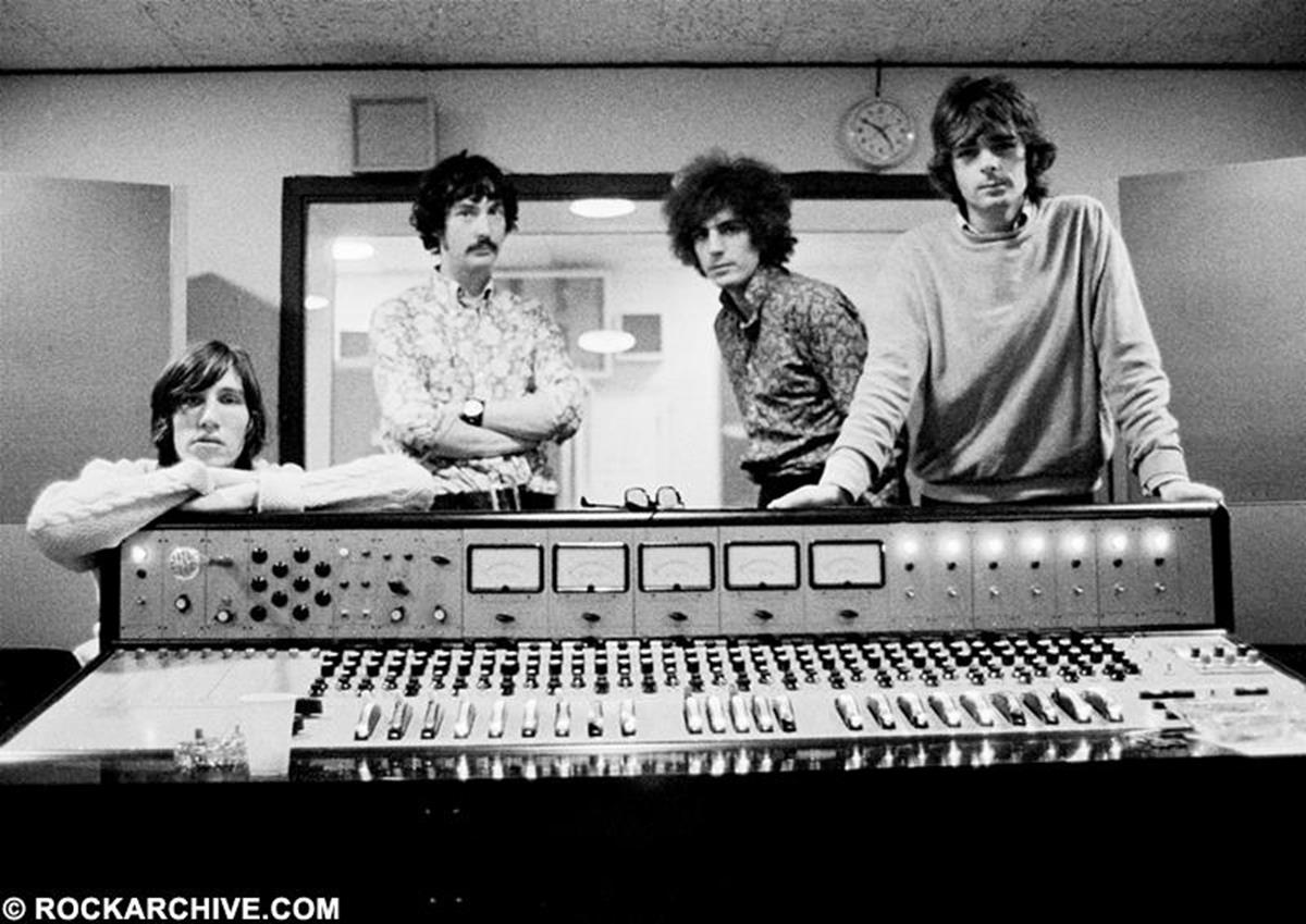 Pink Floyd at the mixing desk whilst recording their album 'The Piper at the Gates of Dawn' in Abbey Road Studios. © Andrew Whittuck
