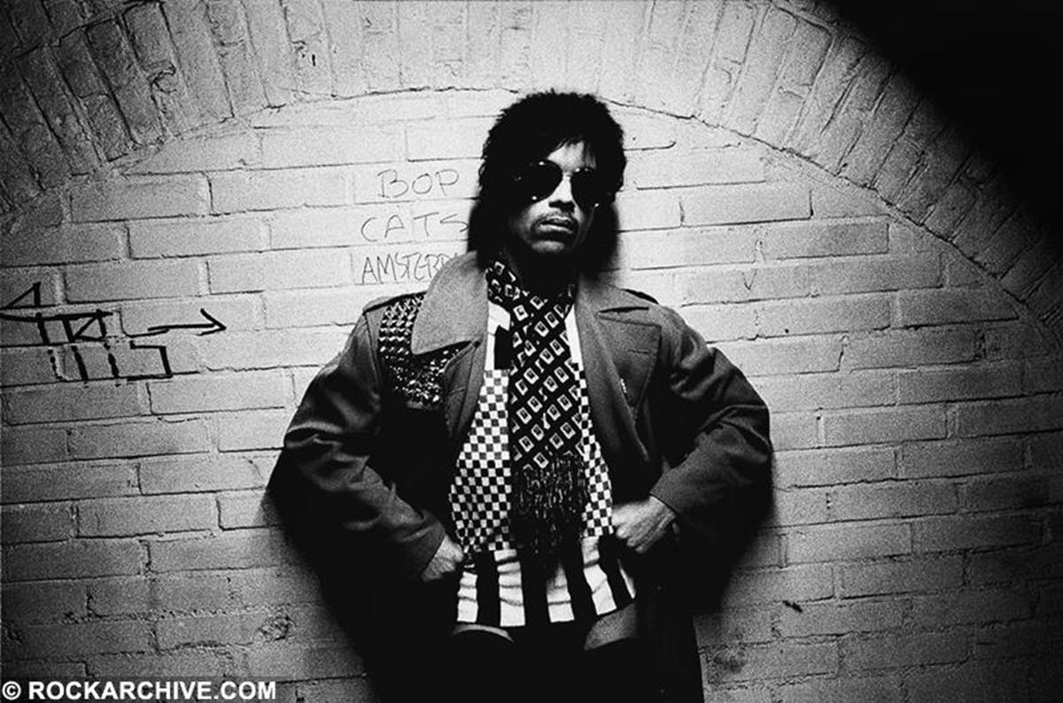 Prince posing backstage at the Paradiso, Amsterdam during his Dirty Mind Tour in 1981. © Virginia Turbett
