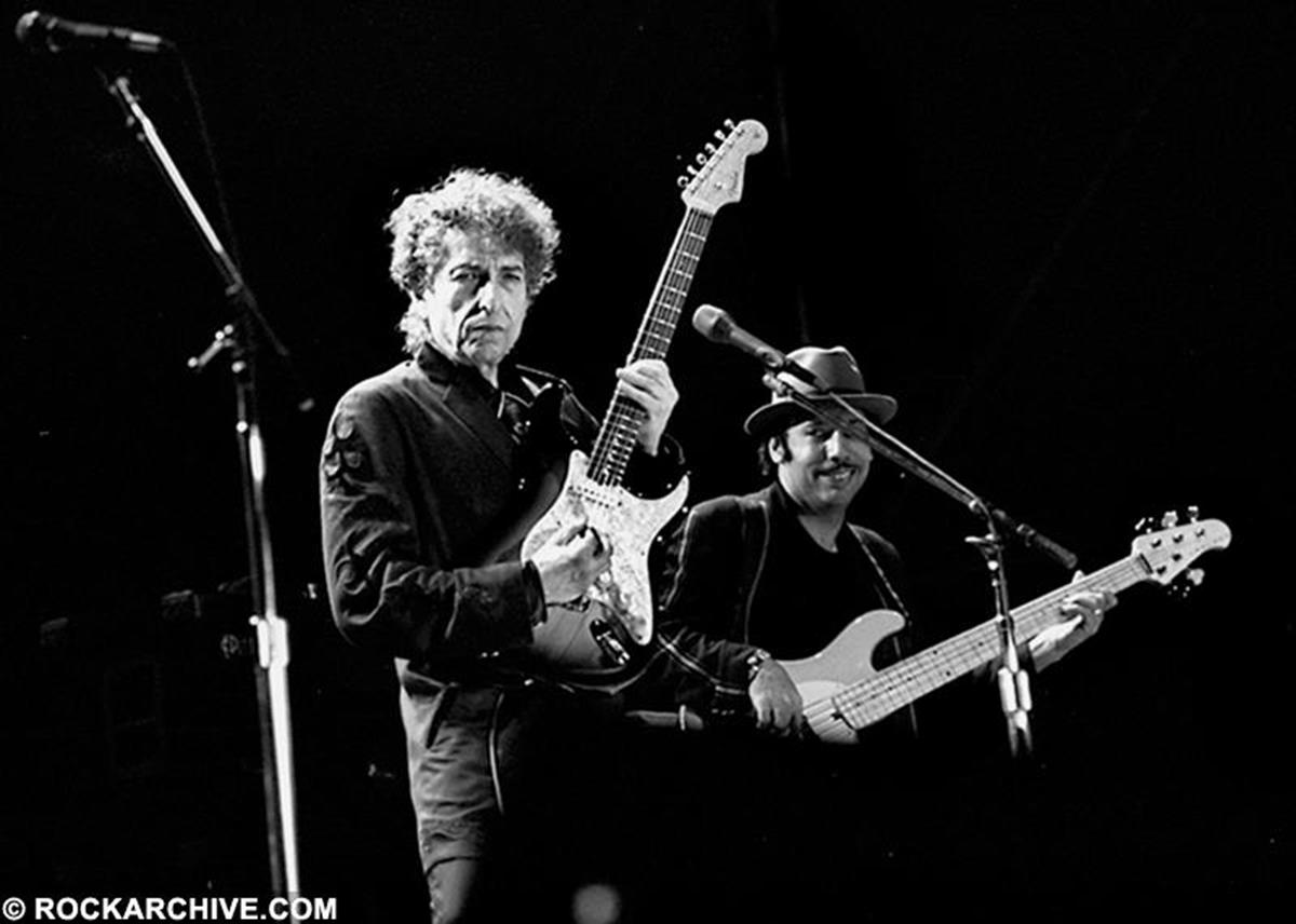 Bob Dylan and bass player Tony Garnier taken at an open air concert in Italy in May 2000. The two have been touring together for nearly 20 years. © Jill Furmanovsky