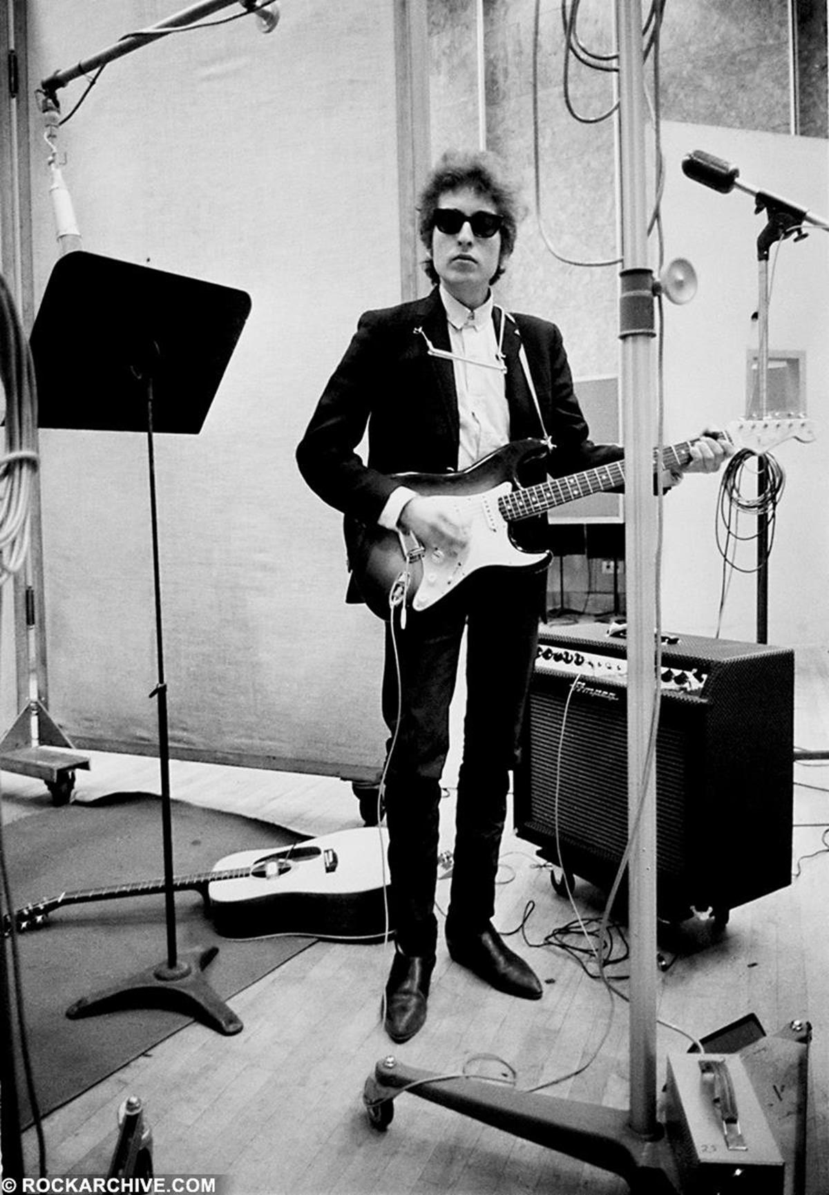 Bob Dylan recording his fifth studio album 'Bringing It All Back Home' in Studio A, Columbia Recording Studios in New York City 1965, the year he 'went electric'. © Don Hunstein