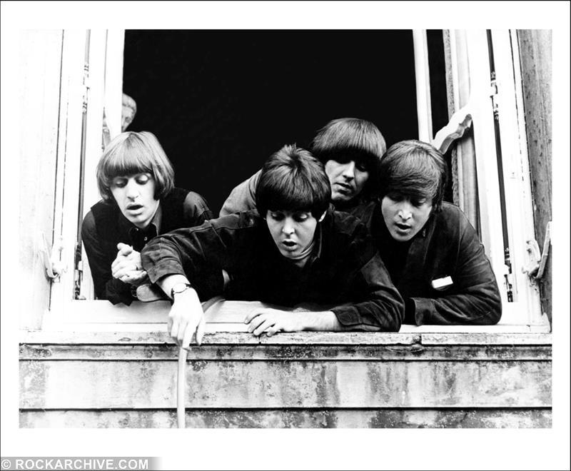 Listen to Paul McCartney's 1965 Christmas Album 'Unforgettable'