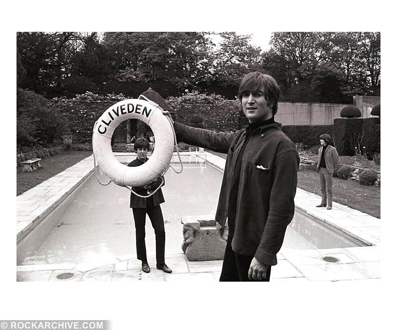 John, Paul and George by the swimming pool at Cliveden House in 1965. © Robert Whitaker
