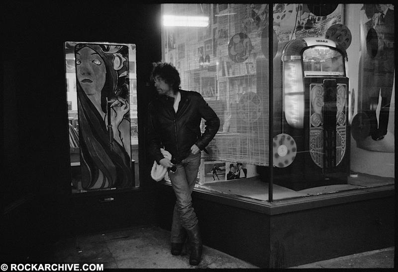Bob Dylan hanging out on the streets of Portland, Orgeon prior to performing there as part of his Gospel Tour in January 1980. © Arthur Rosato