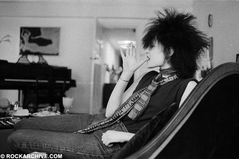 Siouxsie Sioux, from Siouxsie & The Banshees, relaxing in London in 1980. © Michael Putland
