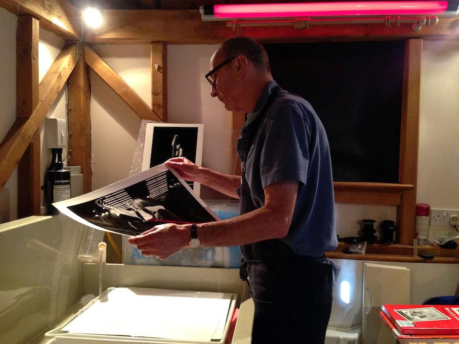 Michael Putland in his home darkroom © Photo by Sophie Putland