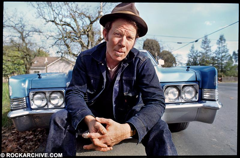 Catalogue No: TW006JF Artist(s): Tom Waits Location: Santa Rosa, California Date: January 1999